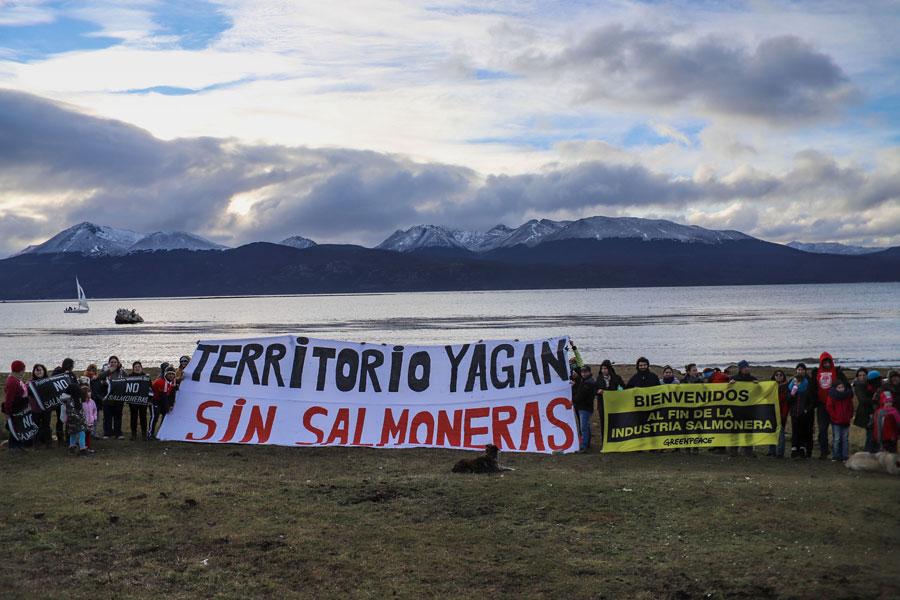 Tierra del Fuego prohibió por ley a las salmoneras.