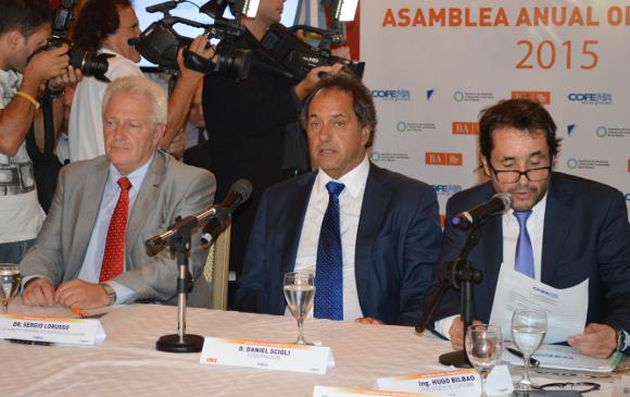 Daniel Scioli/Medio Ambiente: Daniel Scioli, en el Consejo Federal de Medio Ambiente (COFEMA), junto a Sergio Lorusso (SAyDS) y Hugo BIlbao (OPDS). Foto: Damián Profeta. Licencia: CC A NC 3.0.
