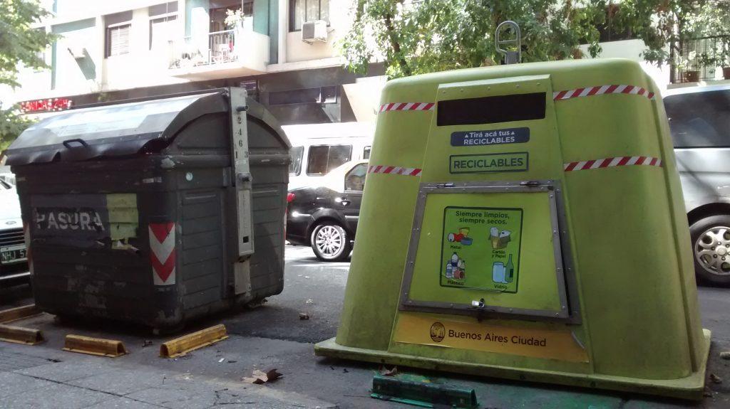 contenedores basura ciudad de buenos aires verdes y negros