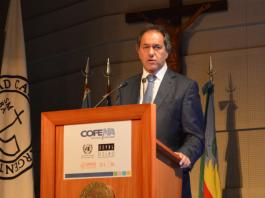 """Daniel Scioli en el Seminario Internacional """"Cambio climático, política fiscal ambiental y caudales ambientales"""". COFEMA - CEPAL 2015."""