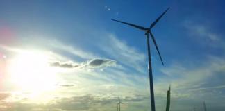 Parque eólico en Tacuarembó, Uruguay. Captura del video de Nicolás Álvarez Moya. Licencia CC BY 2.0.