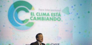 Pablo Canziani, investigador del CONICET, durante su charla sobre el cambio climático y la industria vitivinícola - Foto: MAGyP.