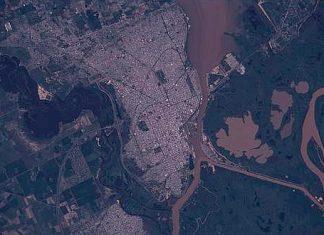 Vista satelital de la ciudad de Santa Fe. Licencia de la imagen: Dominio Público.