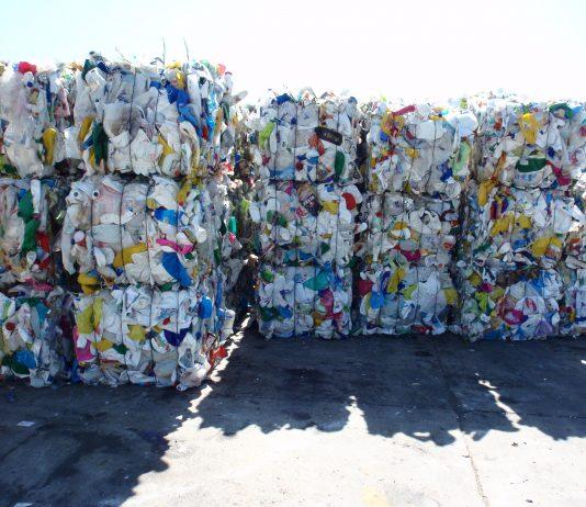 Fardos de reciclaje. Foto: cedida por el Organismo Provincial para el Desarrollo Provincial (OPDS).