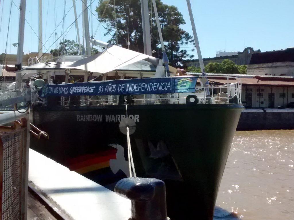 Rainbow Warrior, el barco de Greenpeace, está en Buenos Aires. Foto: Damián Profeta. Licencia: Creative Commons CC-NC-SA 2.0.