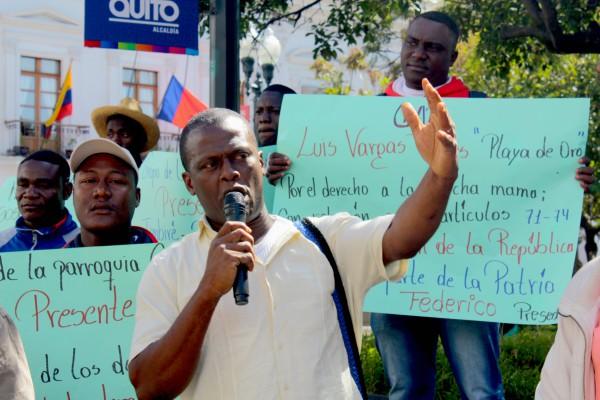 Las comunidades se manifestaron y denunciaron la contaminación de los ríos en Esmeraldas.