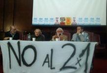 Leonardo Boff dio una conferencia en Buenos Aires junto a Adolfo Pérez Esquivel y Juan Pablo Olsson (350.org). Foto: Damián Profeta. Licencia: CC BY 2.0.