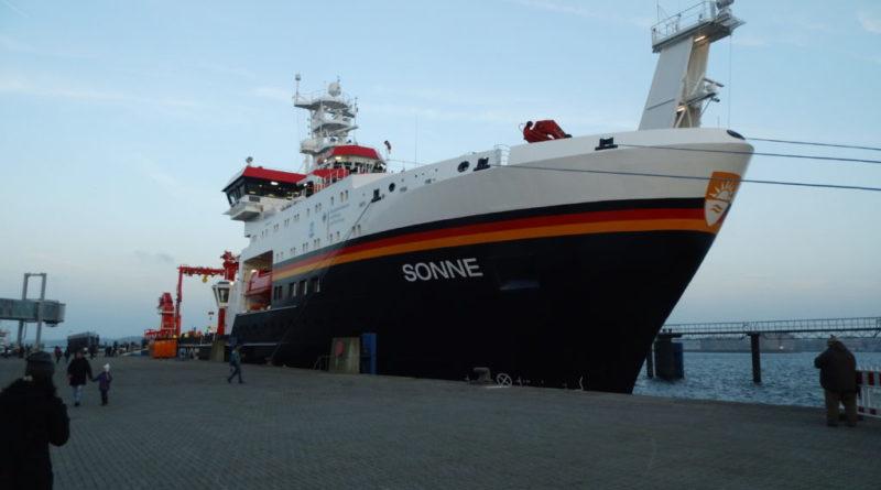 El buque oceanográfico alemán Sonne (sol, en alemán) atracó en Buenos Aires