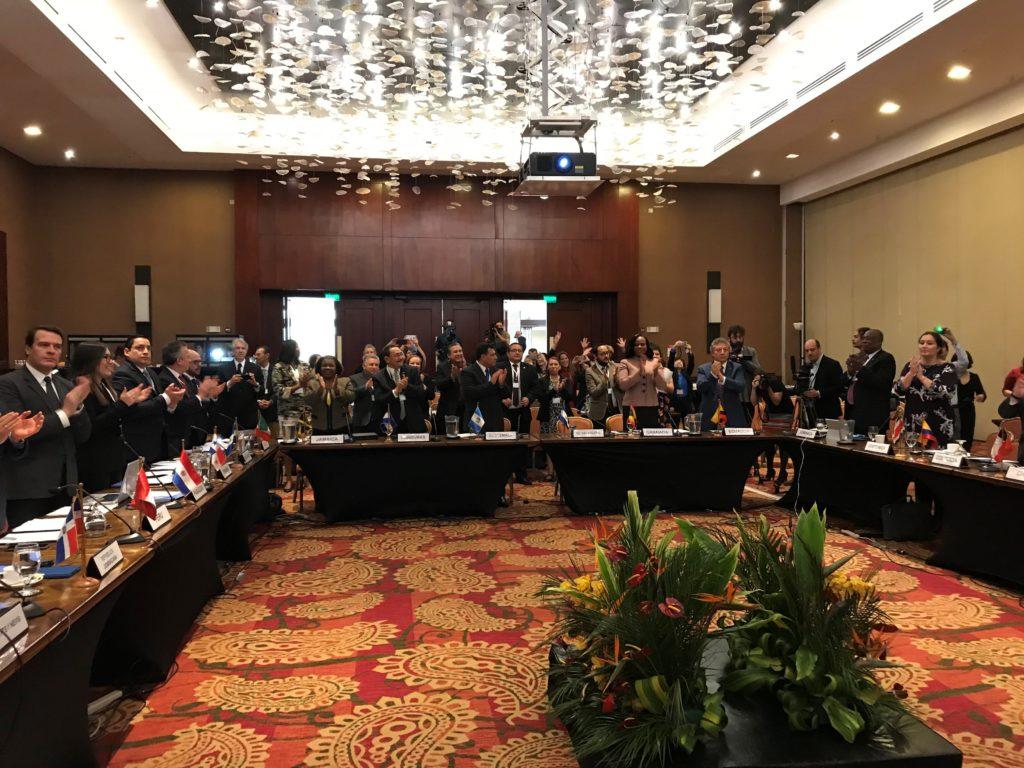 Los representantes de América Latina y el Caribe celebran la sanción del acuerdo del Principio 10