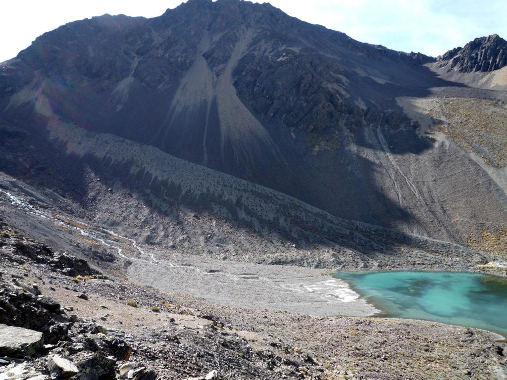 Pequeño Alpamayo, en la Cordillera Real de Bolivia: hasta no hace mucho, aquí había un glaciar. Foto twiga269 ॐ FEMEN. Licencia: CC BY NC 2.0.