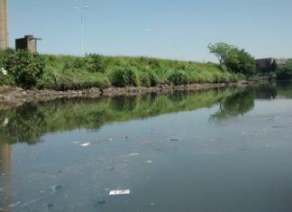 Las aguas contaminadas del Riachuelo. Foto: Damián Profeta. Licencia CC BY 2.0.