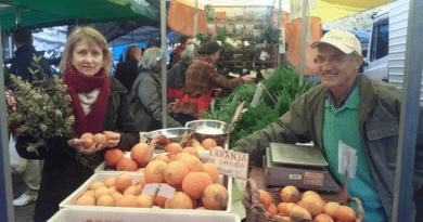 la Feria de Agricultores Ecologistas contribuye de muchas maneras a la conservación de la biodiversidad.