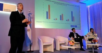 Joseluis Samaniego, de CEPAL, durante su intervención en Euroclima+ 2018 en Buenos Aires.